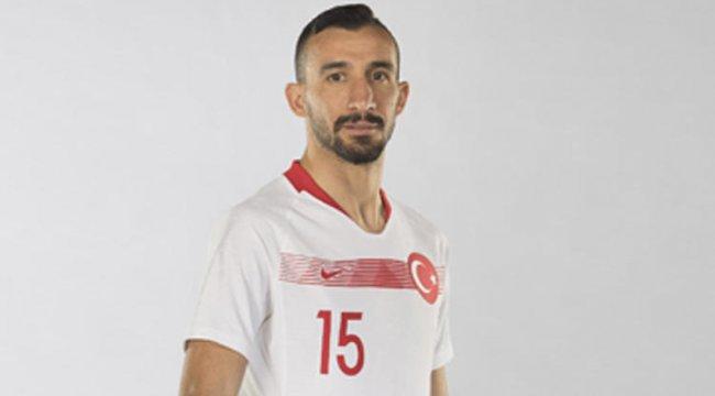 Mehmet Topal, A Milli Takım'ın kadrosundan çıkartıldı